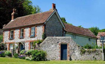 Docieplenie domu wewnątrz przy zachowaniu elewacji. O czym warto pamiętać?