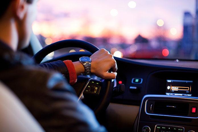 Ostrzegawcze oświetlenie drogowe