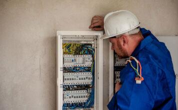 Wyłączniki krańcowe a bezpieczeństwo instalacji